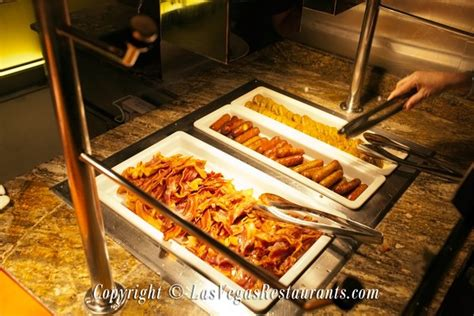 cravings buffet at the mirage restaurant review
