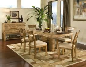 Simple Dining Room