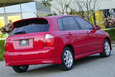 2005 kia spectra5 reviews 2005 kia spectra5 overview cars