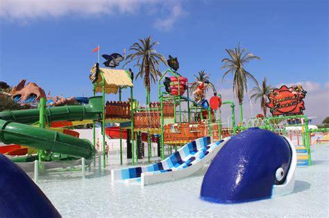 theme park holidays abroad slide splash water park in algarve with kids
