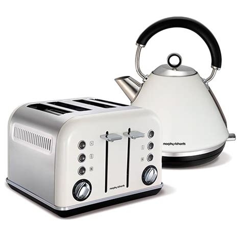 White 4 Slice Toaster And Kettle Set White Accents Traditional Pyramid Kettle And 4 Slice