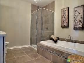 indogate salle de bain beige mosaique