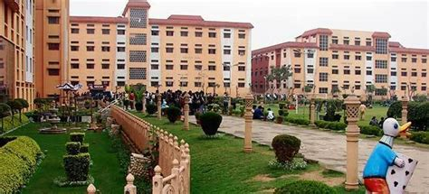 Distance Mba Institute In Faridabad by Fee Structure Of Lingayas Faridabad 2018