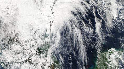 imagenes impactantes del huracan patricia foto la nasa publica im 225 genes satelitales del temible
