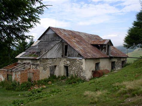 Types Of Houses file ukraine carpathian mountains chornohora range ruinous