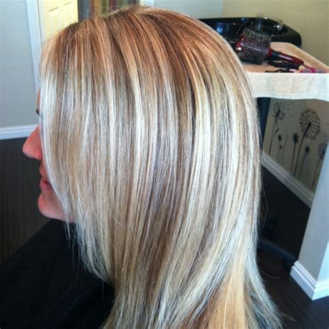 caramel lowlights blonde hair blonde with honey carmel low lights beauty pinterest