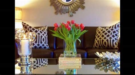 Bunga Meja Bulat rangkaian bunga meja tamu inspiratif mempercantik ruangan