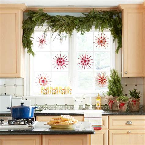decorating your home for the holidays ingenious holiday decorating ideas for small spaces