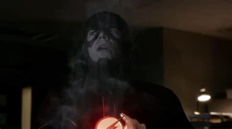 The Season 2 Episode Recap Who Do You Trust by Recap Of Quot The Flash 2014 Quot Season 2 Episode 3 Recap Guide
