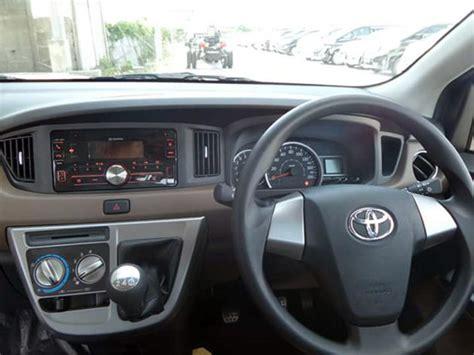 2016 Toyota Agya 1 0 E Mt kupas harga dan spesifikasi toyota calya dan daihatsu