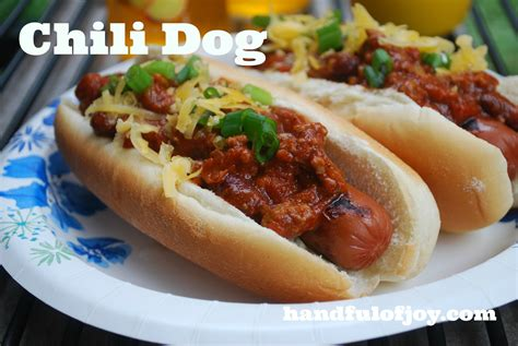 chili for dogs chili dogs www imgkid the image kid has it