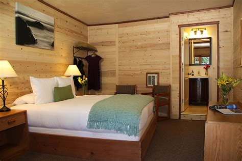bid on hotel room big sur coast lodging big sur river inn restaurant