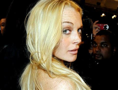 Lindsay Lohan May Be Getting Ready For Second Album In by Lilo Shopping Around For Yet Another Bad Habit Ny Daily News