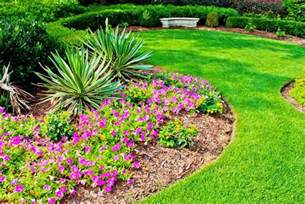 simple flower garden designs homefurniture org Backyard Flower Gardens Ideas