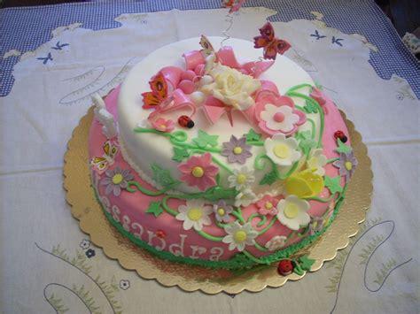 torte fiori dolce torta con fiori e farfalle