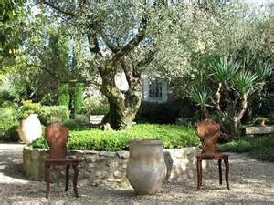 tips to create a provence garden