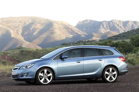 new opel astra sports tourer unveiled should buick bring