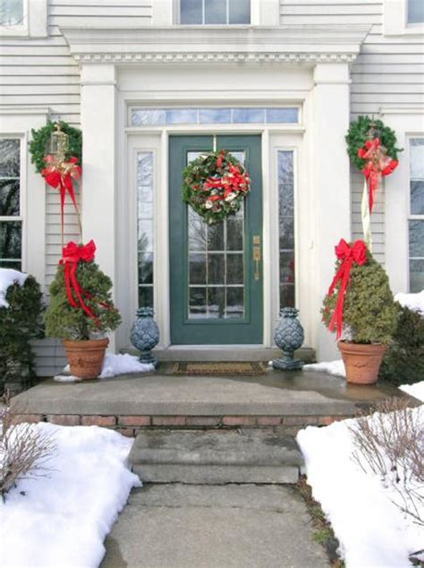 Front Door Winter Decorating Ideas by 25 Beautiful Wreaths And Garlands Winter Door