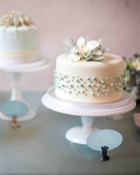 Fondant Wedding Cakes by Fondant Cakes From Real Weddings Martha Stewart Weddings