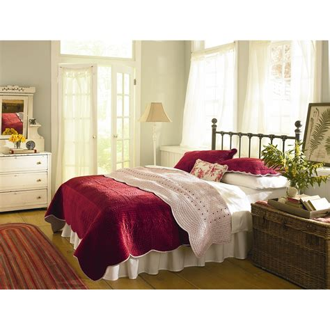 country king size bedroom sets country living classic vintage quilt set country living