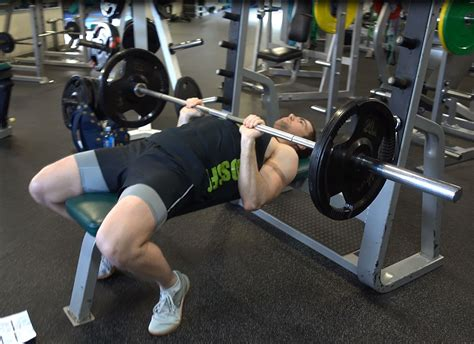 bench press no spotter how to barbell close grip bench press ignore limits