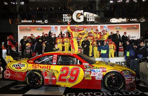 Kevin Harvick Wins Daytona 500 by Kevin Harvick 2007 Daytona 500 Winners