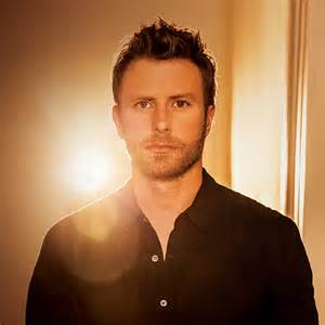 Dierks Bentley News Buzzing Dierks Bentley To Be Honored With Exhibit At