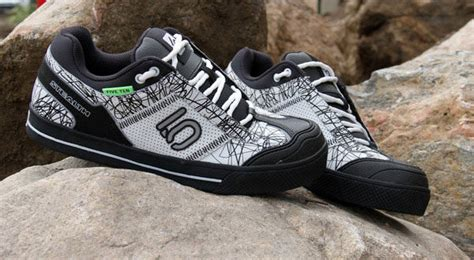 best mountain bike clipless shoes top 9 best mountain bike shoes for flat clipless pedals