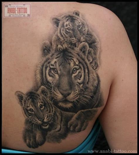 animal tattoo that represents family family tigers tatoos pinterest tigers and families