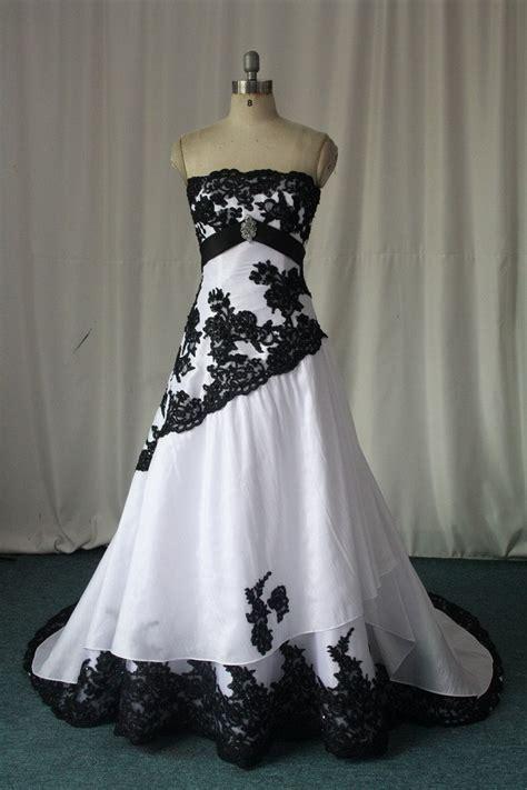 21867 Blackwhite Lace wedding dress with black lace detail sang maestro