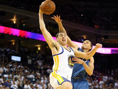 new year klay thompson klay thompson s new year s resolution dunk on more