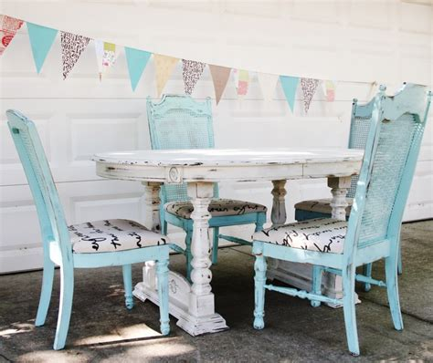 shabby chic dining table and chairs diy tips how to create that distressed shabby chic look