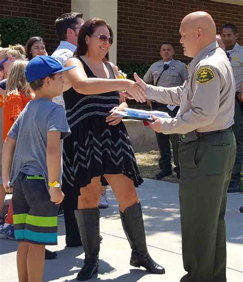 hill sheriff department triunfo ymca cers make visit to sheriff
