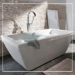 baignoire form 59 best salles de bains images by castorama on
