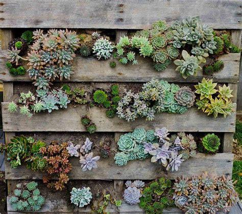fabriquer une jardiniere verticale en palette tutos