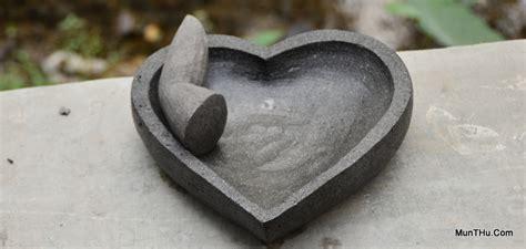 Cowek Modern Tradisional cobek cinta bentuk jantung hati dari batu gunung merapi