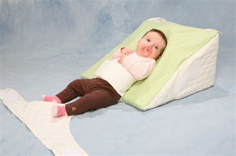 Baby Pillow Wedge by Baby Reflux Reflief Pillow And Infant Reflux Reflief Wedge