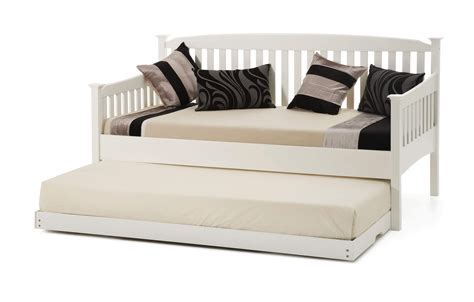 White Wood Daybed With Trundle Modern White Daybed Daybed Bedding Layout 17 Daybeds That Donu0027t Feel Fashioned