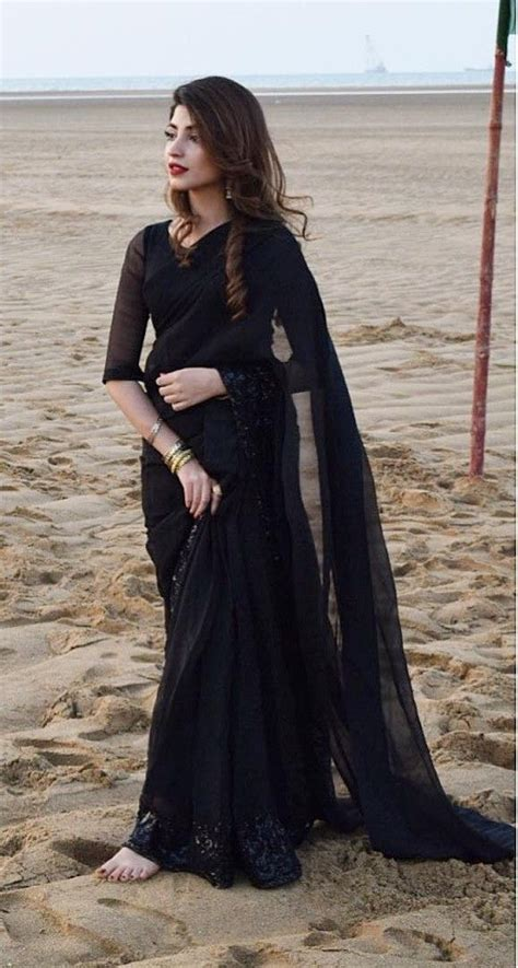 pakistani actress kinza hashmi    black saree