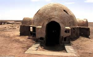abandoned star wars sets deep in the tunisian desert like mos espa daily mail online