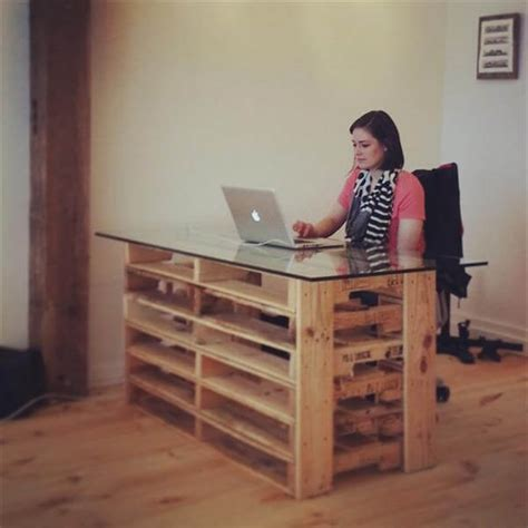Office Pallet Desk With Glass Top Pallet Furniture Diy Diy Glass Top Desk