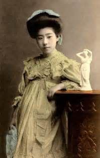 Vintage everyday rare photos of geisha and maiko without kimono from