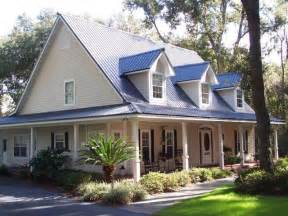 metal roof house color combinations 17 best images about tin roofs on modern