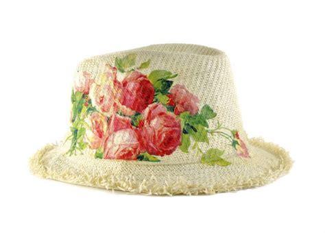 tutorial per decoupage il video tutorial per decorare un cappello di paglia con