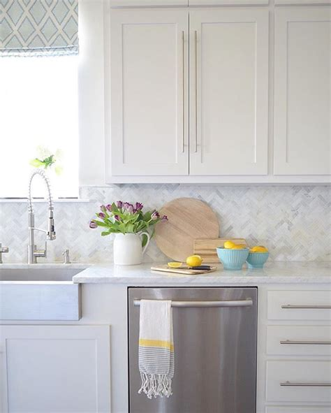 backsplash in white kitchen 25 best herringbone backsplash ideas on