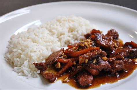 cuisiner l 馗hine de porc saut 233 de porc au caramel 224 la vietnamienne hervecuisine com