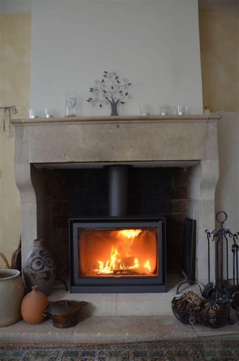 poele dans cheminee amazing poele a bois dans cheminee 1 r 233 novation chemin 233 e