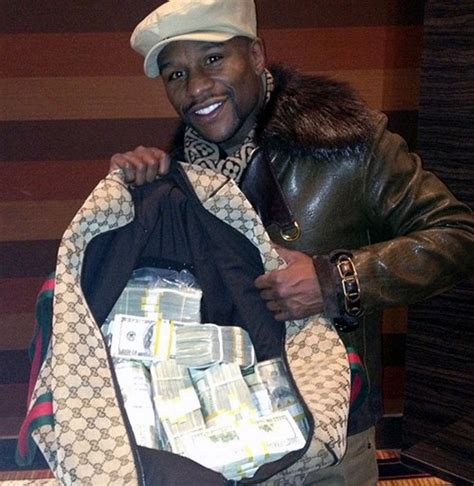 floyd mayweather money bag ridiculousness fans disgusted with money hungry floyd mayweather new