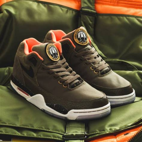 Nike Airflagh For Premium Termurah 03 nike air flight squad premium qs medium olive orange black freshness mag