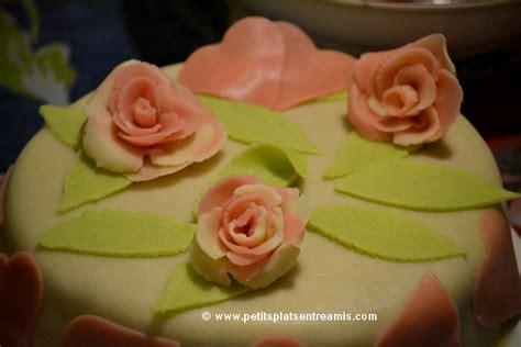d馗oration de plats cuisin駸 g 226 teau de la valentin petits plats entre amis